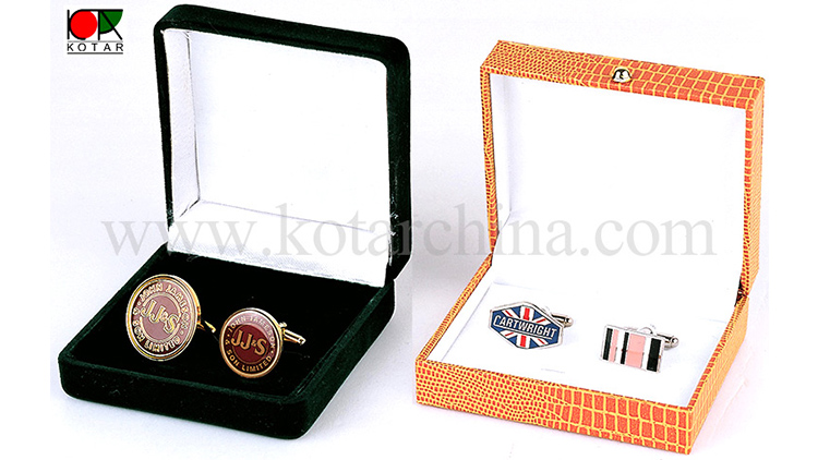 Brilliant gifts for all-age men: Mens Cufflinks